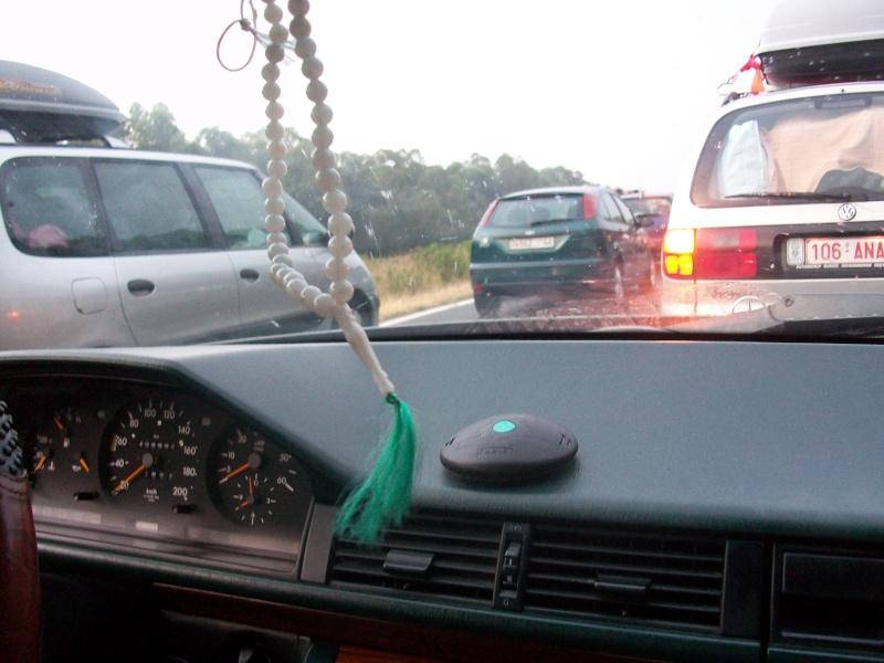 En route vers le sahara, avec ma Mercedes!  100_3047