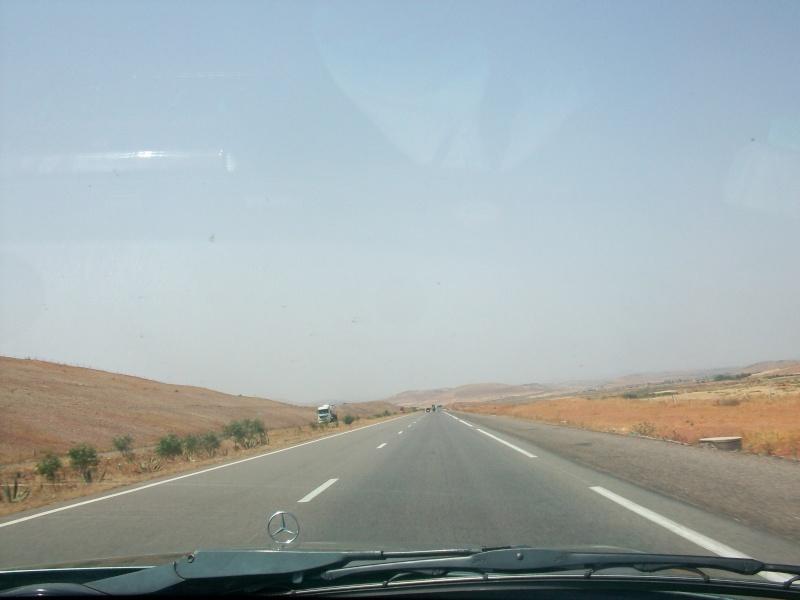 En route vers le sahara, avec ma Mercedes!  100_3048