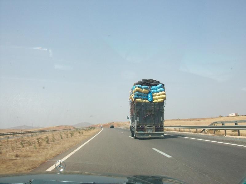 En route vers le sahara, avec ma Mercedes!  100_3050