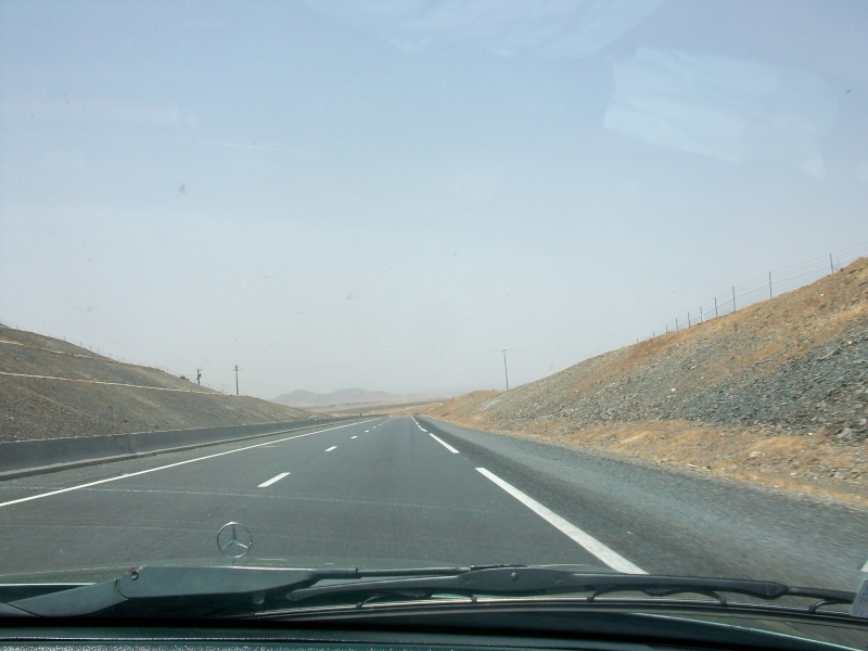 En route vers le sahara, avec ma Mercedes!  100_3051
