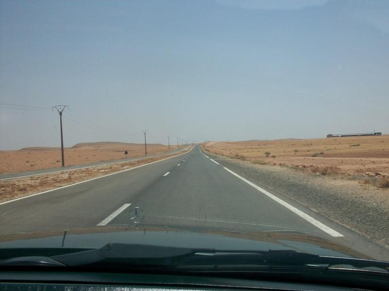 En route vers le sahara, avec ma Mercedes!  100_3053