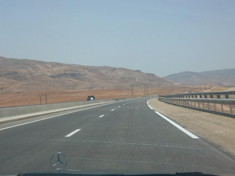 En route vers le sahara, avec ma Mercedes!  100_3054