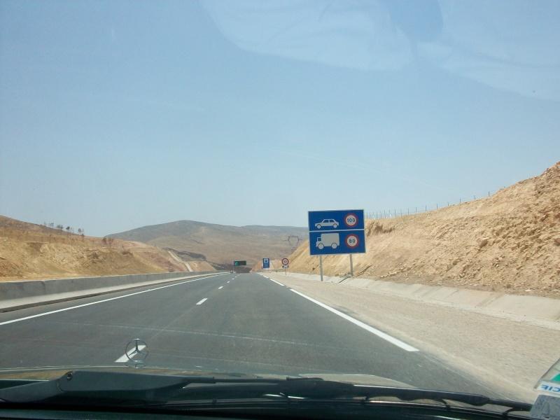 En route vers le sahara, avec ma Mercedes!  100_3055
