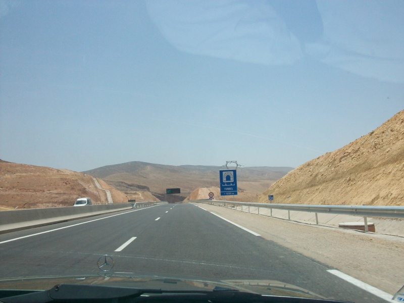 En route vers le sahara, avec ma Mercedes!  100_3056