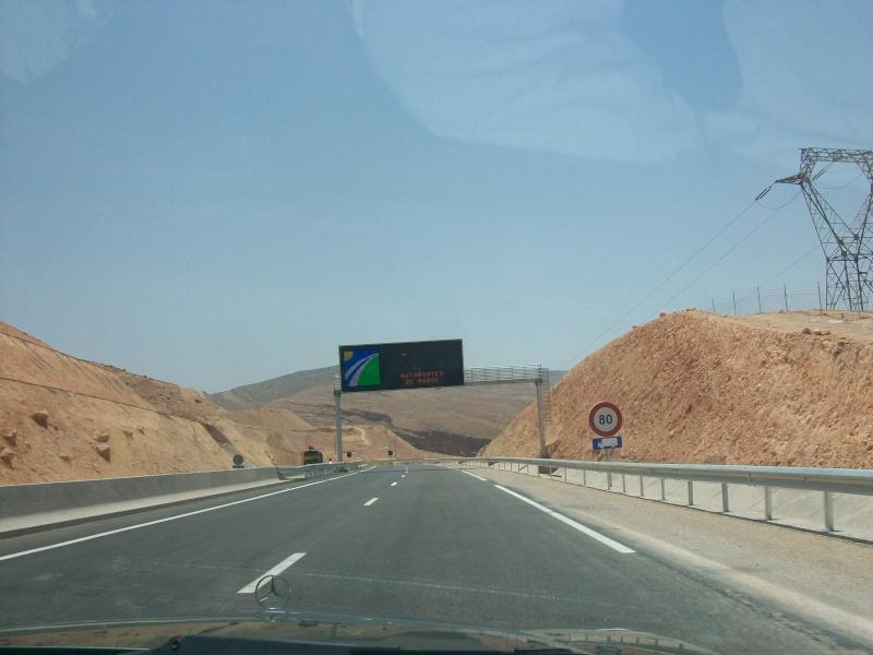 En route vers le sahara, avec ma Mercedes!  100_3057