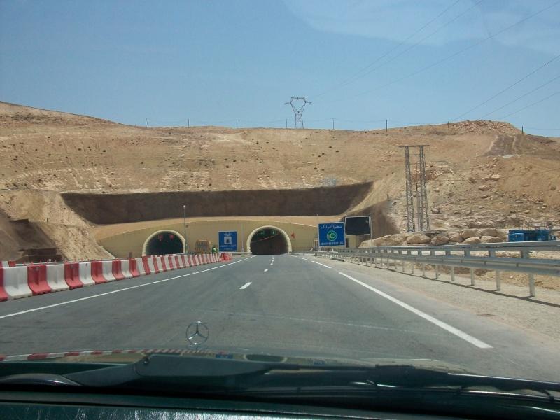 En route vers le sahara, avec ma Mercedes!  100_3058