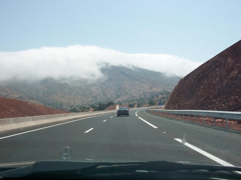 En route vers le sahara, avec ma Mercedes!  100_3115