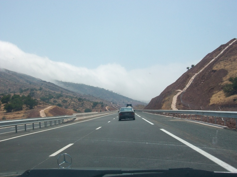 En route vers le sahara, avec ma Mercedes!  100_3116