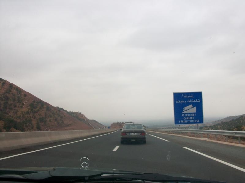 En route vers le sahara, avec ma Mercedes!  100_3119