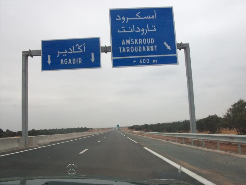 En route vers le sahara, avec ma Mercedes!  100_3123