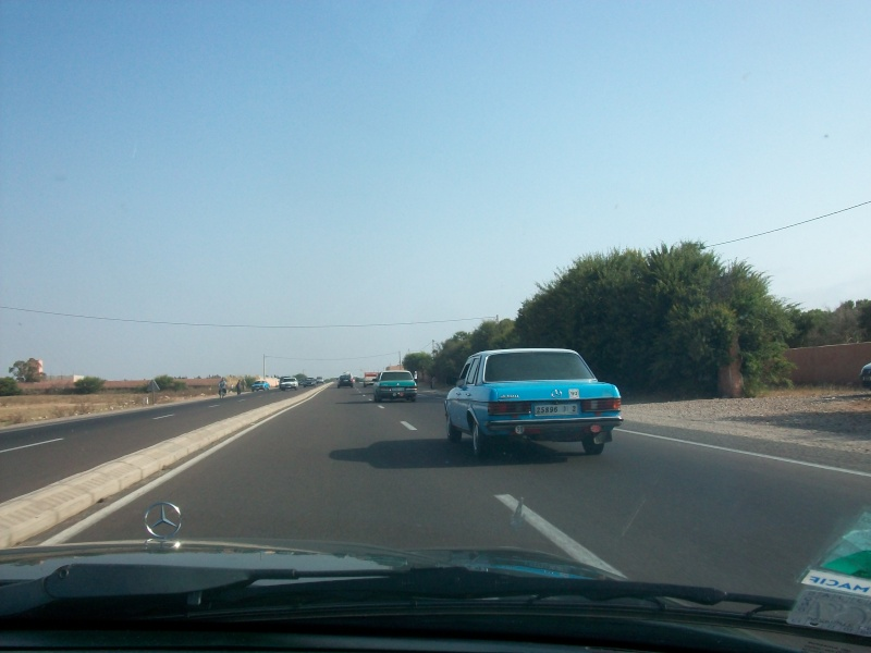 En route vers le sahara, avec ma Mercedes!  100_3125