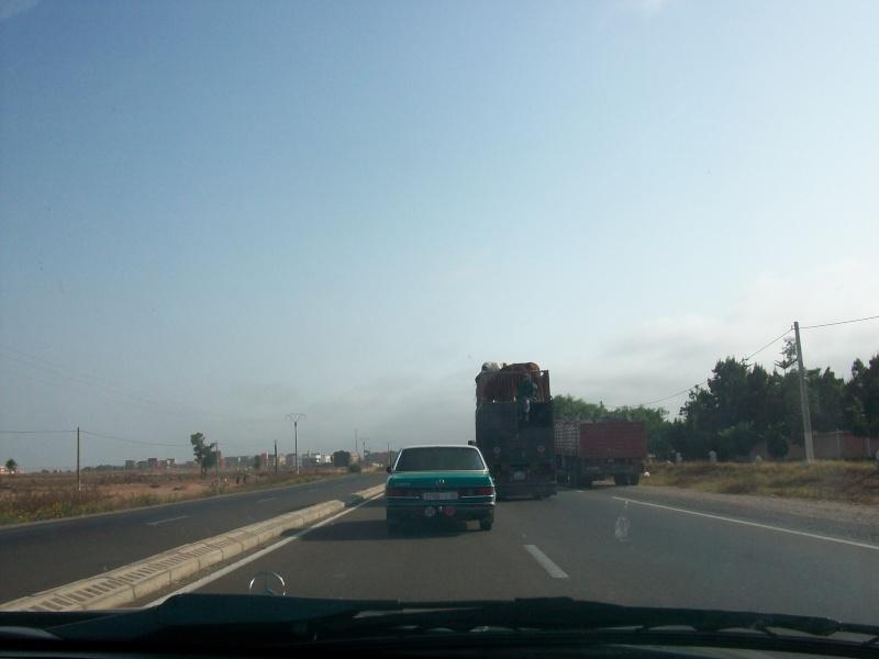 En route vers le sahara, avec ma Mercedes!  100_3126