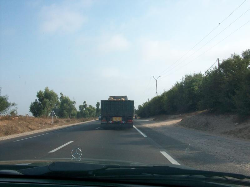 En route vers le sahara, avec ma Mercedes!  100_3127