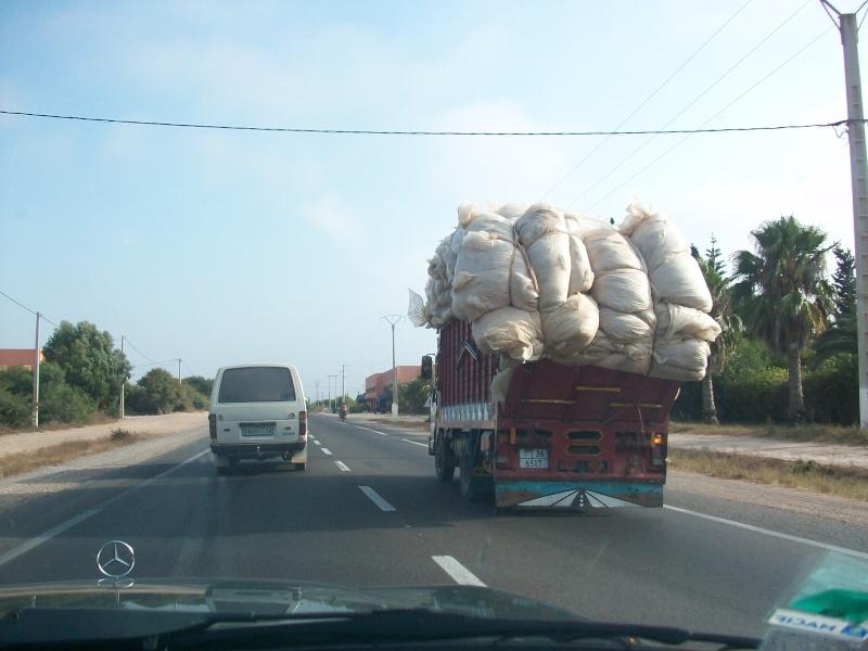 En route vers le sahara, avec ma Mercedes!  100_3130