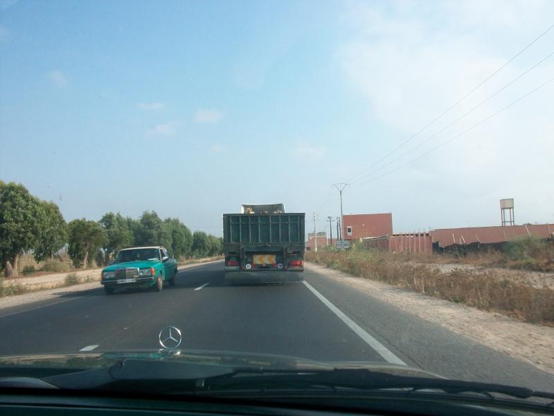 En route vers le sahara, avec ma Mercedes!  100_3131