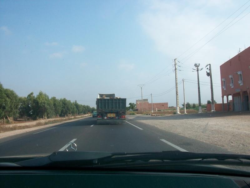 En route vers le sahara, avec ma Mercedes!  100_3132