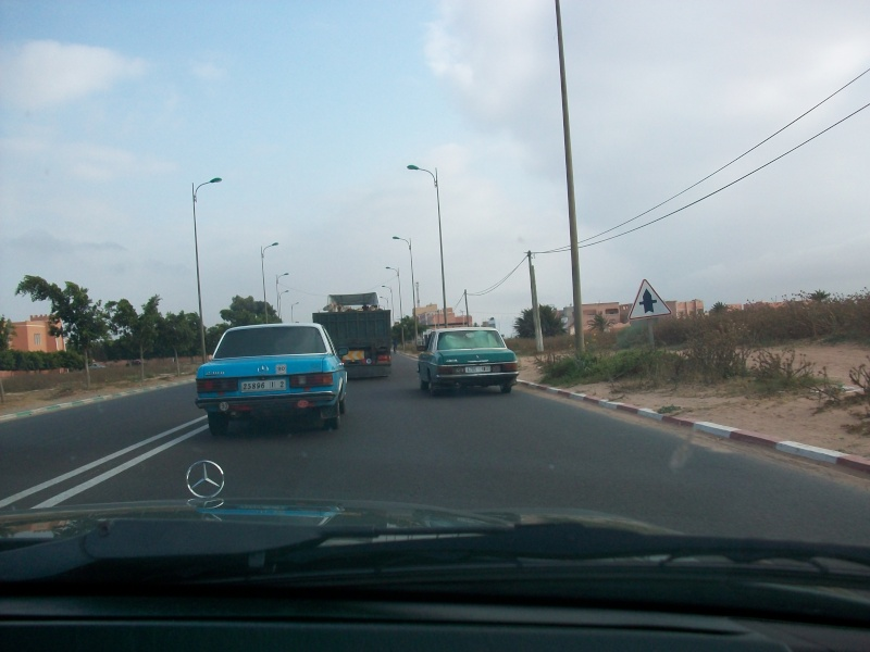 En route vers le sahara, avec ma Mercedes!  100_3133