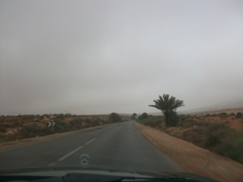 En route vers le sahara, avec ma Mercedes!  100_3136