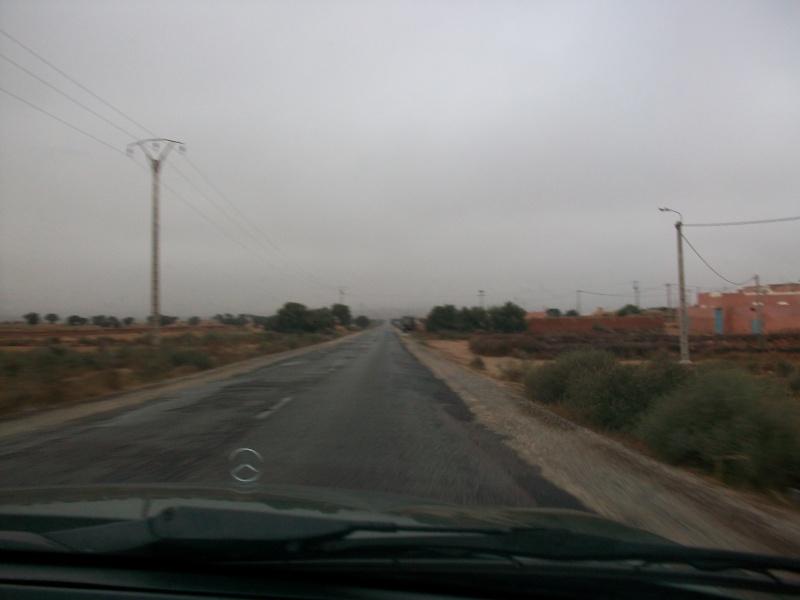 En route vers le sahara, avec ma Mercedes!  100_3137