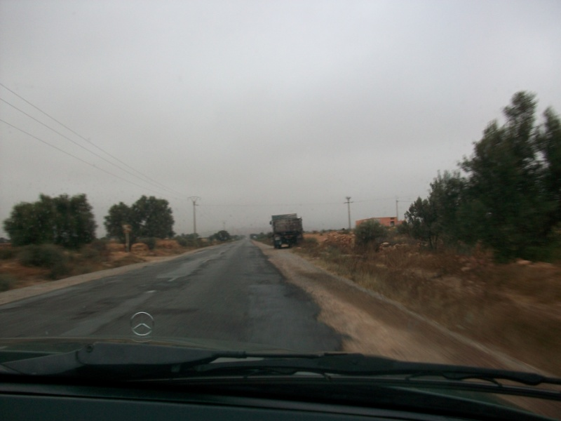 En route vers le sahara, avec ma Mercedes!  100_3138