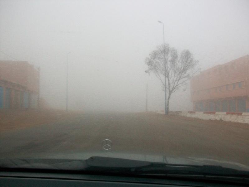 En route vers le sahara, avec ma Mercedes!  100_3150