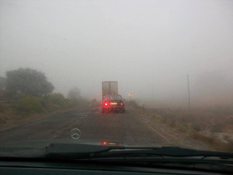 En route vers le sahara, avec ma Mercedes!  100_3212