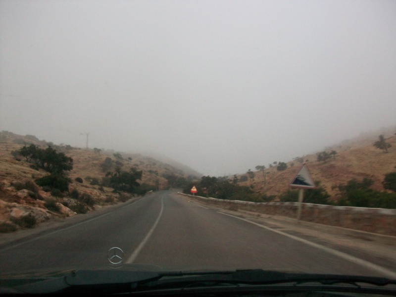 En route vers le sahara, avec ma Mercedes!  100_3218