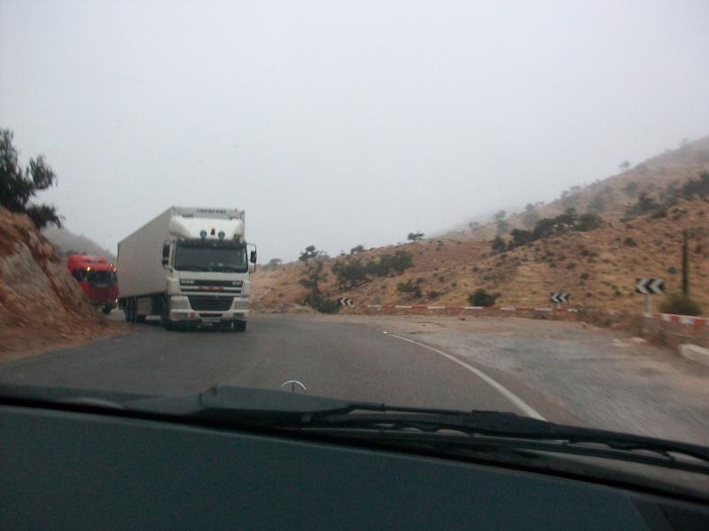 En route vers le sahara, avec ma Mercedes!  100_3220