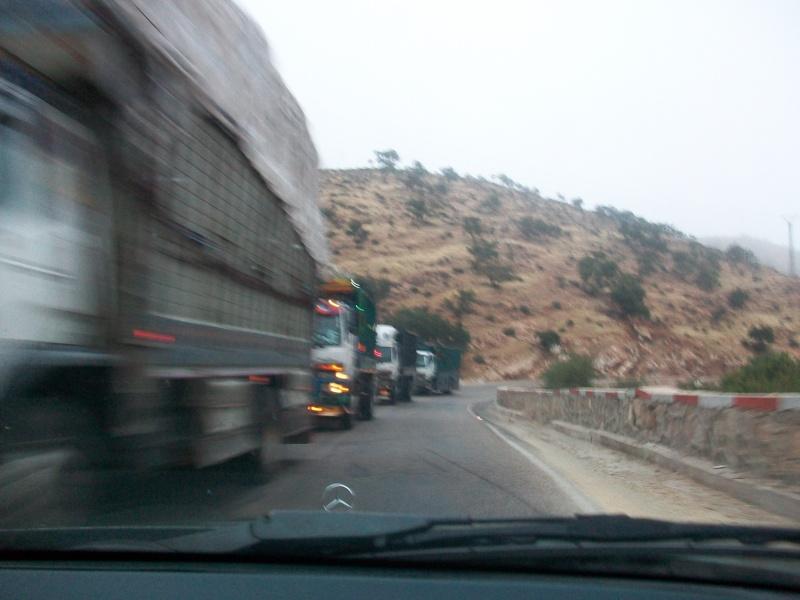 En route vers le sahara, avec ma Mercedes!  100_3221