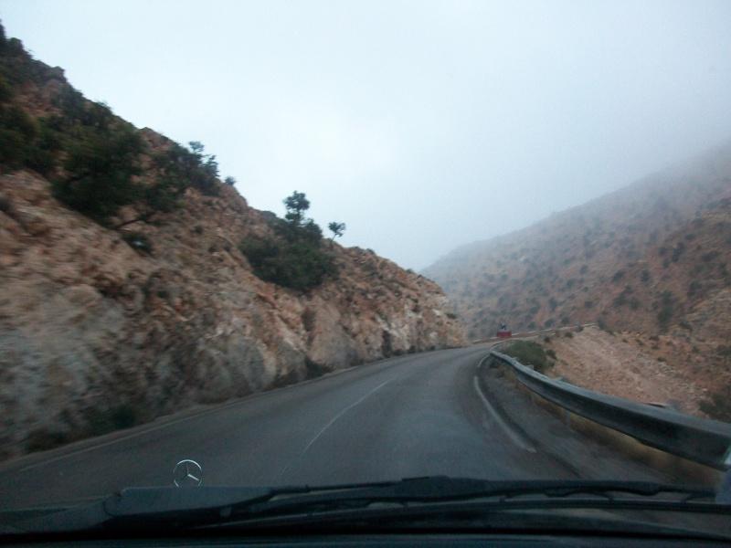 En route vers le sahara, avec ma Mercedes!  100_3226