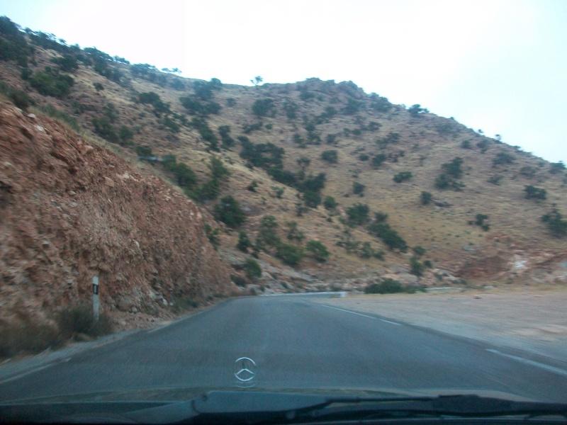 En route vers le sahara, avec ma Mercedes!  100_3229