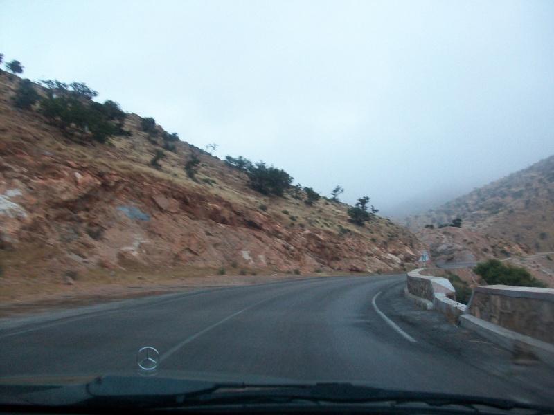 En route vers le sahara, avec ma Mercedes!  100_3230