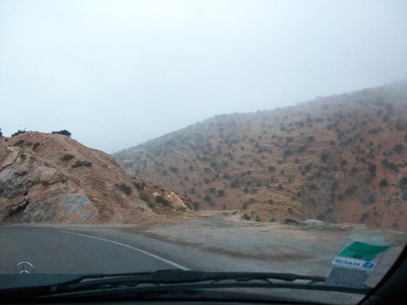 En route vers le sahara, avec ma Mercedes!  100_3232
