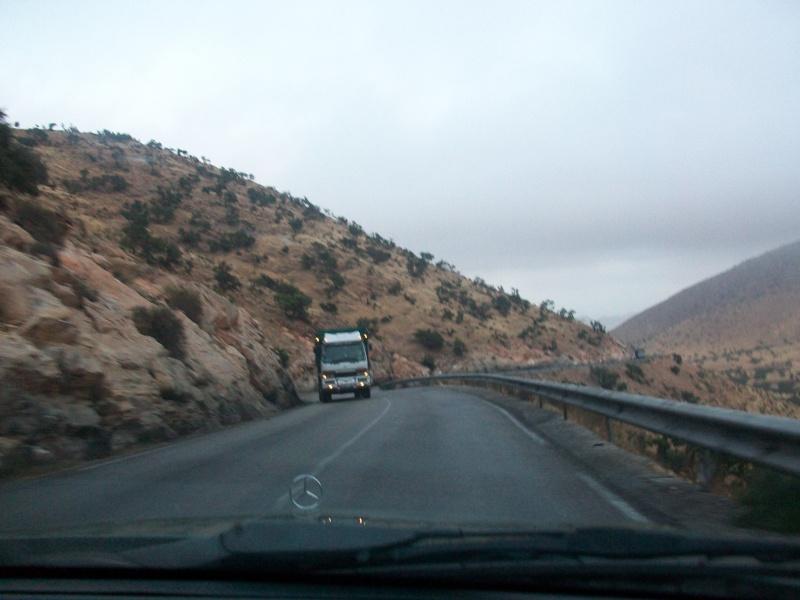 En route vers le sahara, avec ma Mercedes!  100_3234