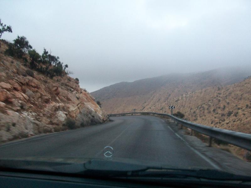 En route vers le sahara, avec ma Mercedes!  100_3235