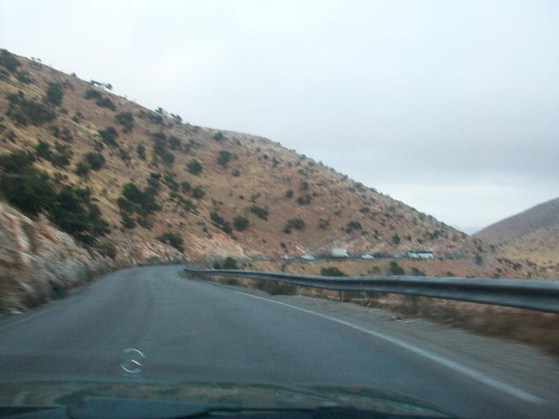 En route vers le sahara, avec ma Mercedes!  100_3236