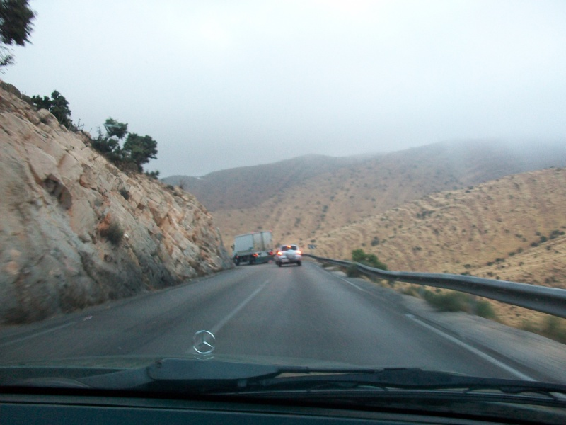 En route vers le sahara, avec ma Mercedes!  100_3237