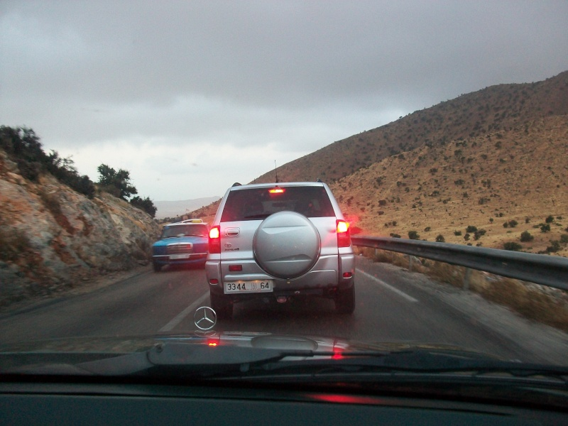 En route vers le sahara, avec ma Mercedes!  100_3242