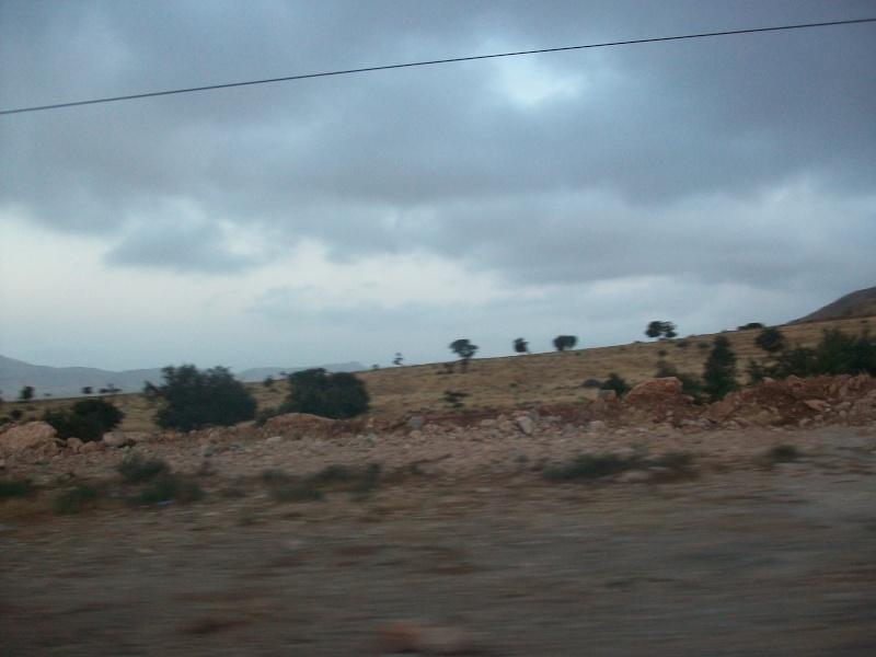 En route vers le sahara, avec ma Mercedes!  100_3244