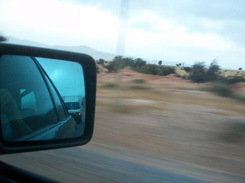 En route vers le sahara, avec ma Mercedes!  100_3245