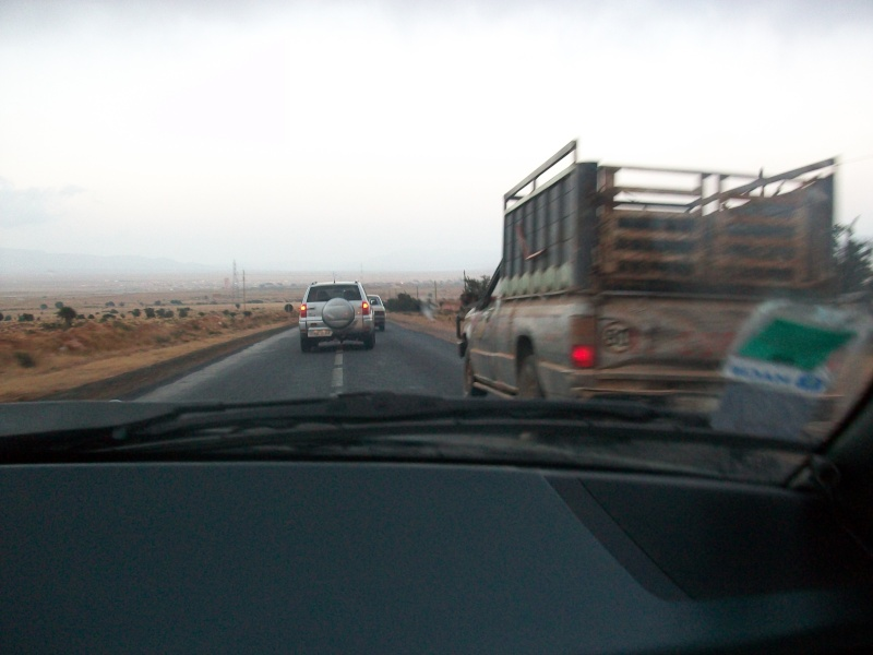 En route vers le sahara, avec ma Mercedes!  100_3246