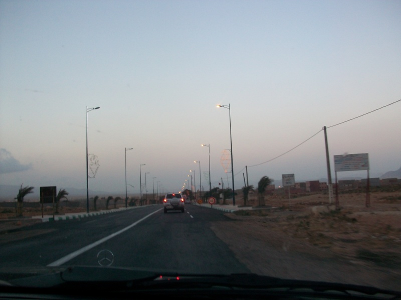 En route vers le sahara, avec ma Mercedes!  100_3247