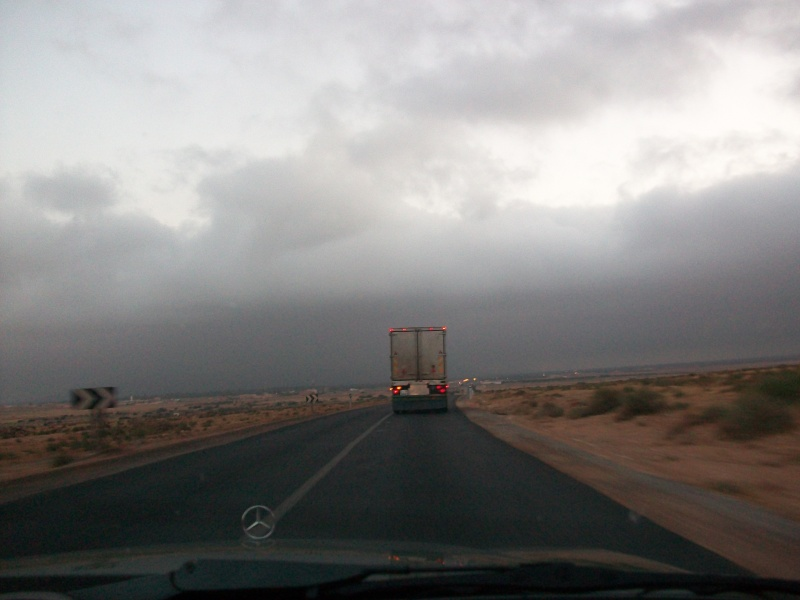 En route vers le sahara, avec ma Mercedes!  100_3251