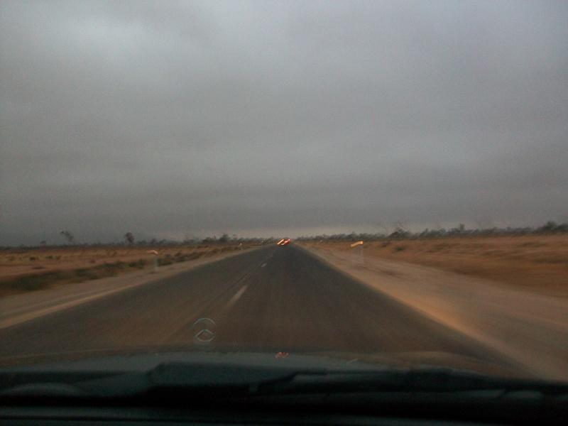 En route vers le sahara, avec ma Mercedes!  100_3252