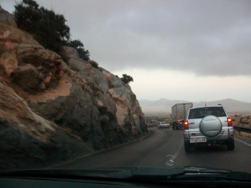 En route vers le sahara, avec ma Mercedes!  100_3253