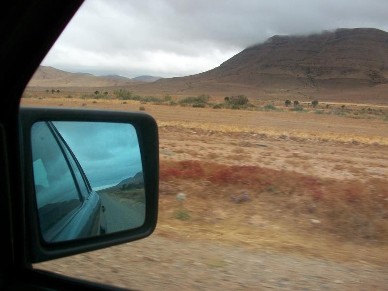 En route vers le sahara, avec ma Mercedes!  100_3318