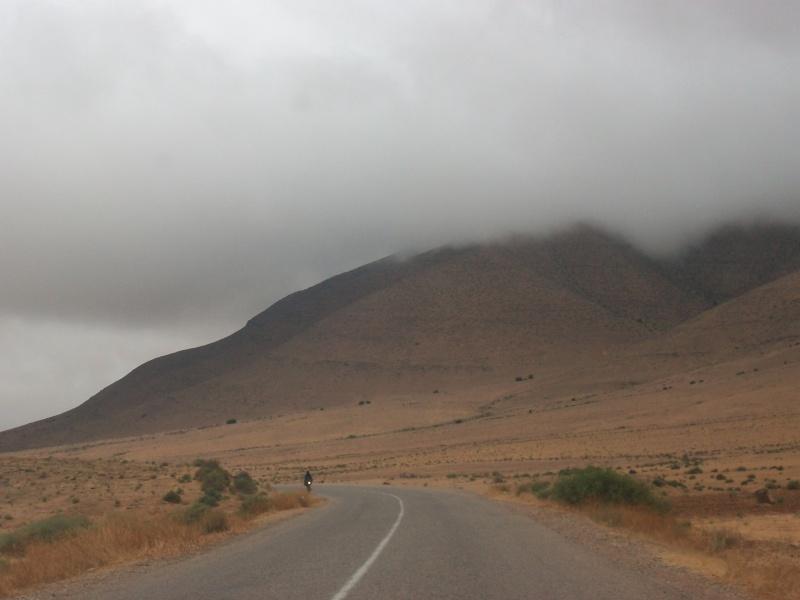 En route vers le sahara, avec ma Mercedes!  100_3321