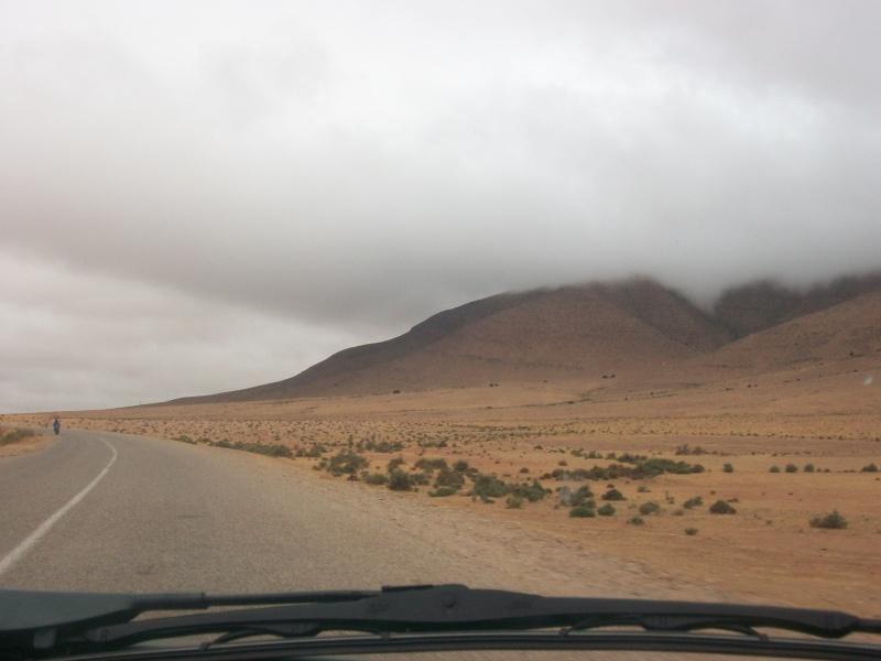 En route vers le sahara, avec ma Mercedes!  100_3322