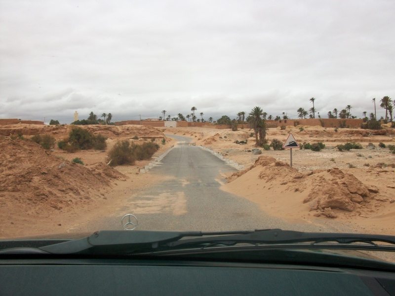 En route vers le sahara, avec ma Mercedes!  100_3329