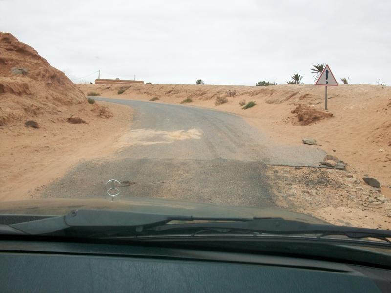 En route vers le sahara, avec ma Mercedes!  100_3332